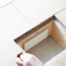 モールテックスキッチンのシンプルリノベーションの写真 床コンセント