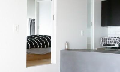 モールテックスキッチンのシンプルリノベーション (寝室)