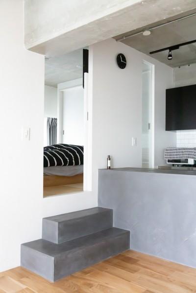 寝室 (モールテックスキッチンのシンプルリノベーション)