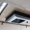 モールテックスキッチンのシンプルリノベーションの写真 薄型天井カセットエアコン