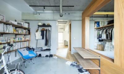広々した土間とユニークなベッドルームが特徴の開放的な家 (自転車も置ける広々土間)