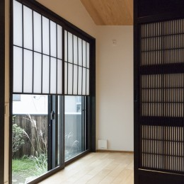 アレルギー反応を持つ子供が住むための和モダン住宅/美しい空気の家 (個室)
