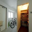 憧れのガレージハウスをリノベーションで叶えるの写真 玄関