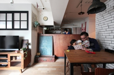 LIVING DINING KITCHEN2 (VINSTA - 小窓 × 白ブリック -)