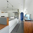 シックなタイルで深みのある空間にの写真 キッチン