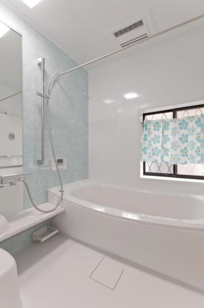 浴室 (子育てに優しい収納にこだわる住まい)