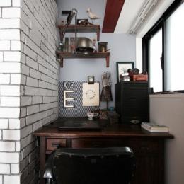 VINSTA - 小窓 × 白ブリック - (WORKSPACE)
