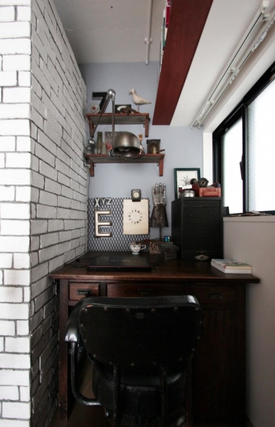WORKSPACE (VINSTA - 小窓 × 白ブリック -)
