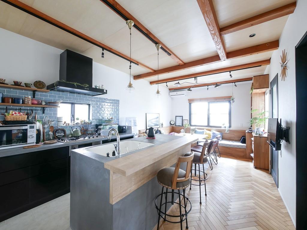 キッチン事例:キッチン(全長5mの造作ソファでのんびりダイニングのお家)
