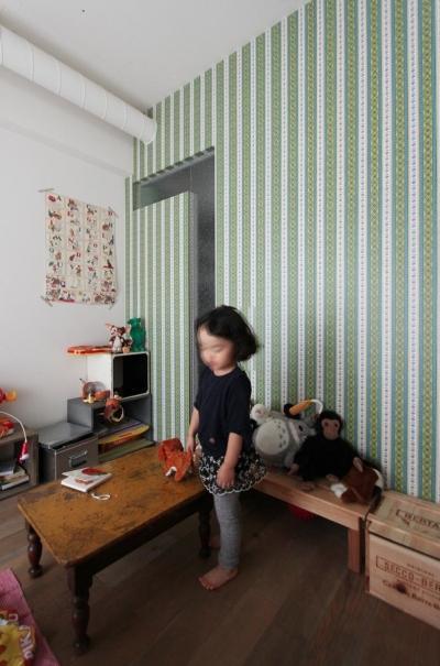 KIDSROOM (VINSTA - 小窓 × 白ブリック -)