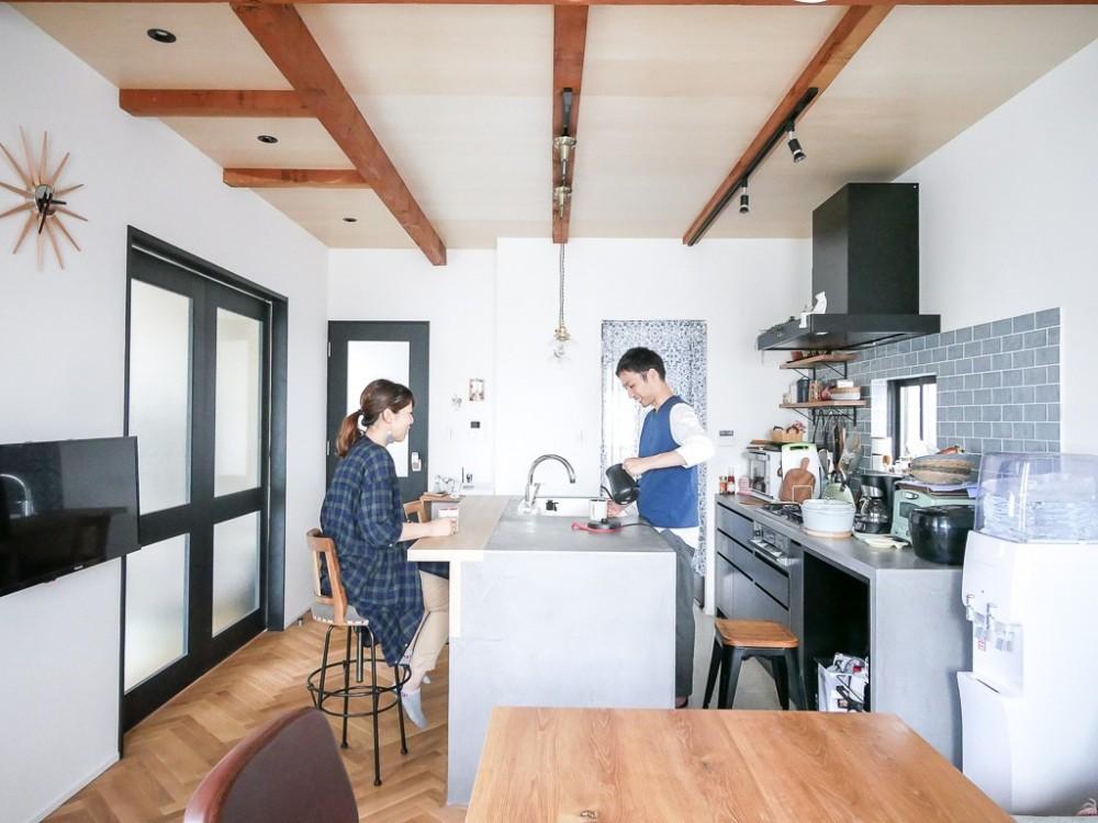 全長5mの造作ソファでのんびりダイニングのお家 (キッチン)