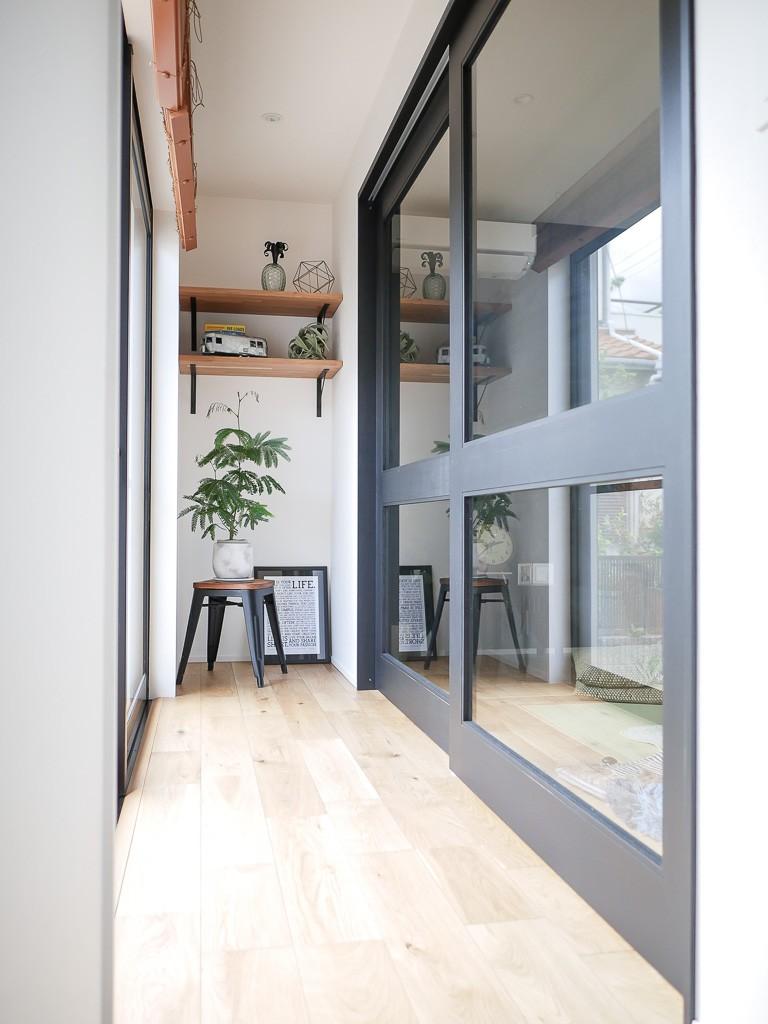 全長5mの造作ソファでのんびりダイニングのお家 (ガラス入り戸)
