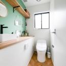 全長5mの造作ソファでのんびりダイニングのお家の写真 トイレ