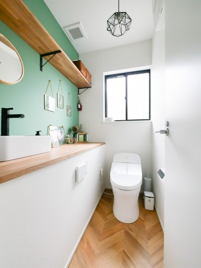 トイレ (全長5mの造作ソファでのんびりダイニングのお家)