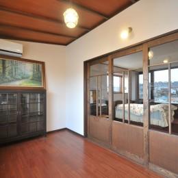 丘の上のアンティーク家具に囲まれたクラシカルの家 (寝室)