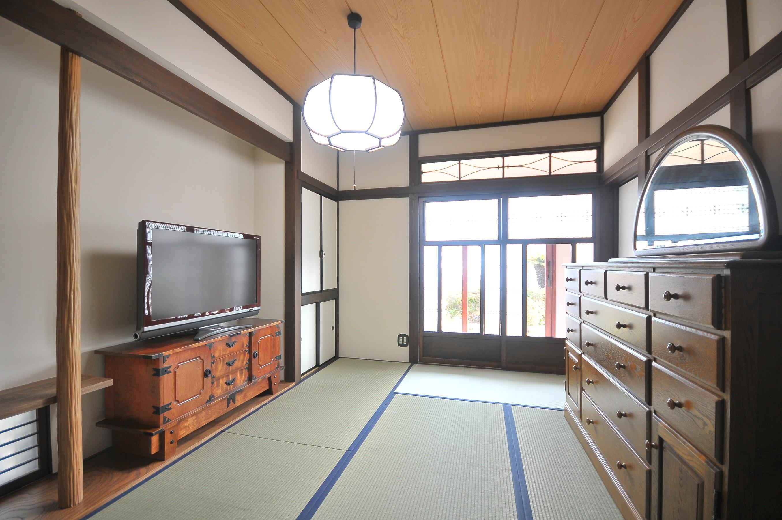 その他事例:和室(丘の上のアンティーク家具に囲まれたクラシカルの家)