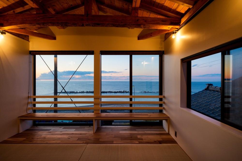海の家 〜笹川流れ・海を望むリノベーション〜 (海を望む寝室)