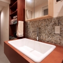 nu(エヌ・ユー)リノベーションの住宅事例「VINSTA - 小窓 × 白ブリック -」