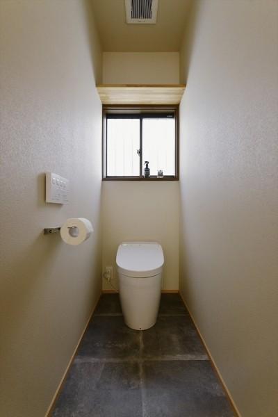 トイレ (M邸_おうちでアウトドア)