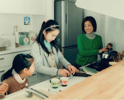 会話の弾むキッチン (リノベーション / cozy)