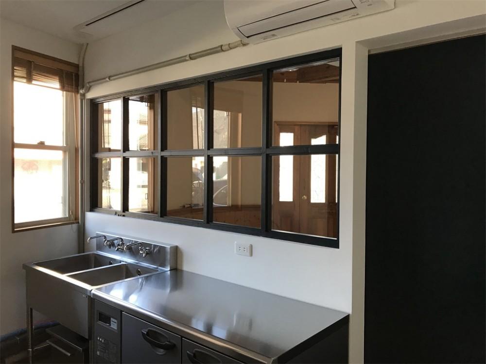 格子窓 (焼き菓子店リノベーション)