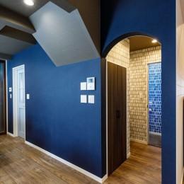「色」の組み合わせを楽しむ、開放的な北欧スタイルリビング (【デザイン重視】)