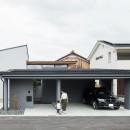 上笠の家(インナーガレージでプライベート空間を作りつつも開放的なリビングのある家)の写真 インナーガレージのある家