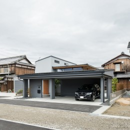 上笠の家(インナーガレージでプライベート空間を作りつつも開放的なリビングのある家)