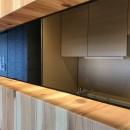 木目を楽しむ家の写真 キッチン