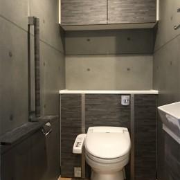 木目を楽しむ家 (トイレ)