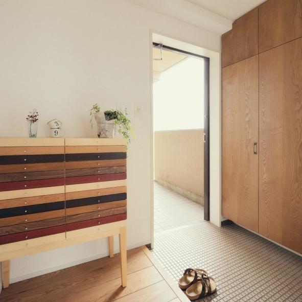 リノベーション / Buchの部屋 シンプルで温もりのある玄関