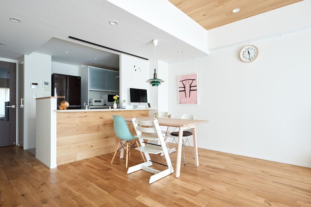 キッチン事例:ダイニングキッチン(緑と木に囲まれて一息)