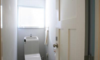 O邸 (清潔感のあるトイレ)