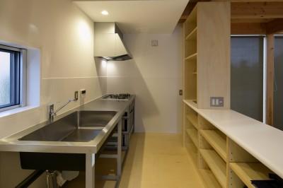 『東口の家』 (キッチン)