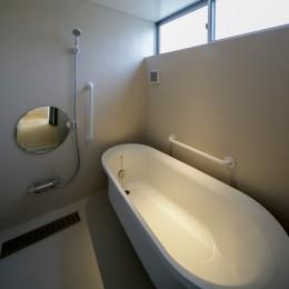 『東口の家』 (浴室)