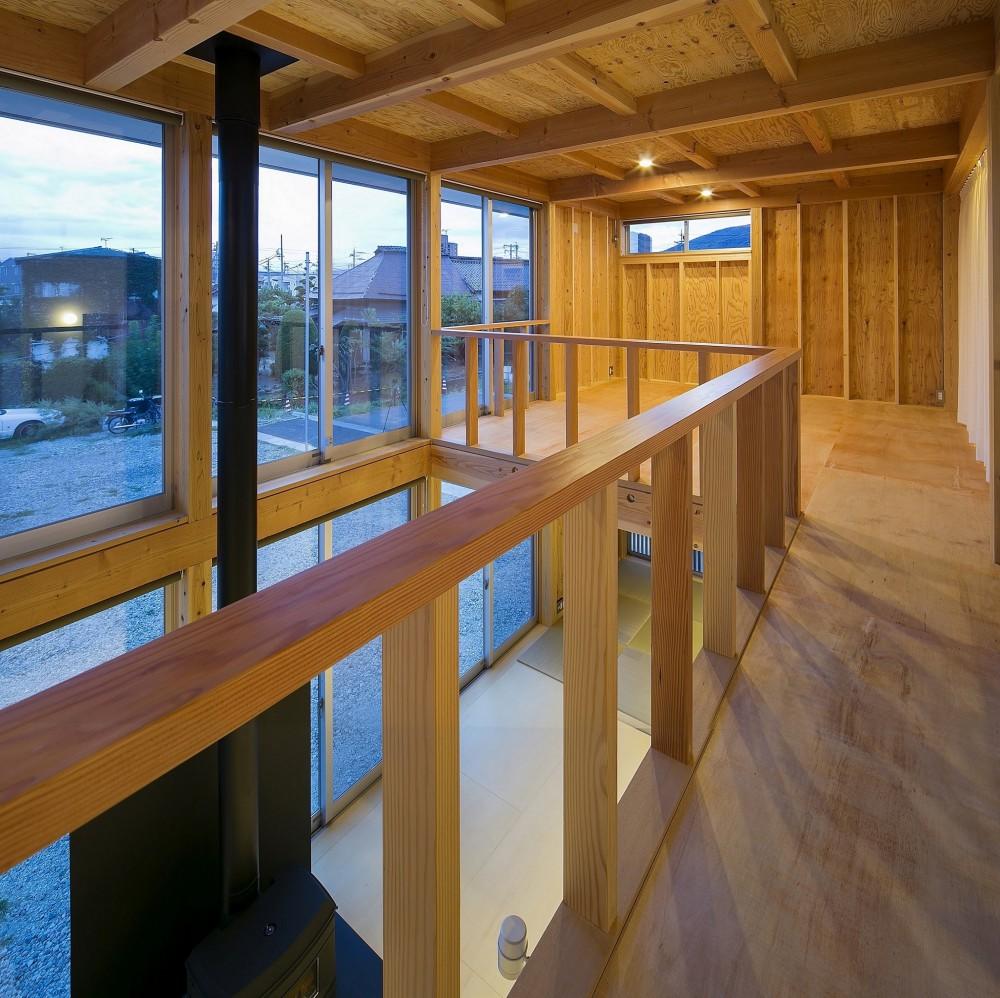 『東口の家』新たなコンセプトを持った住まい (2F廊下)