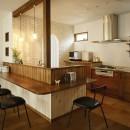 受け継いだ生家を次の世代に繋ぐの写真 キッチン・洗面・脱衣室まで 直線でつながる動線で家事効率がアップ!