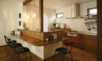 受け継いだ生家を次の世代に繋ぐ (キッチン・洗面・脱衣室まで 直線でつながる動線で家事効率がアップ!)