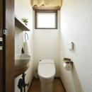 受け継いだ生家を次の世代に繋ぐの写真 ヨーロピアンカントリー 大人可愛いトイレ