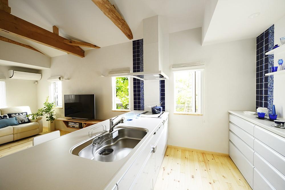 キッチン事例:北欧風の優美なキッチン(新築のようなフルリフォームで新生活スタート)