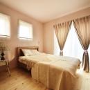 新築のようなフルリフォームで新生活スタートの写真 女性らしいエレガントな寝室