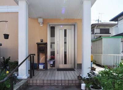 明るい玄関に1dayリフォーム (玄関)