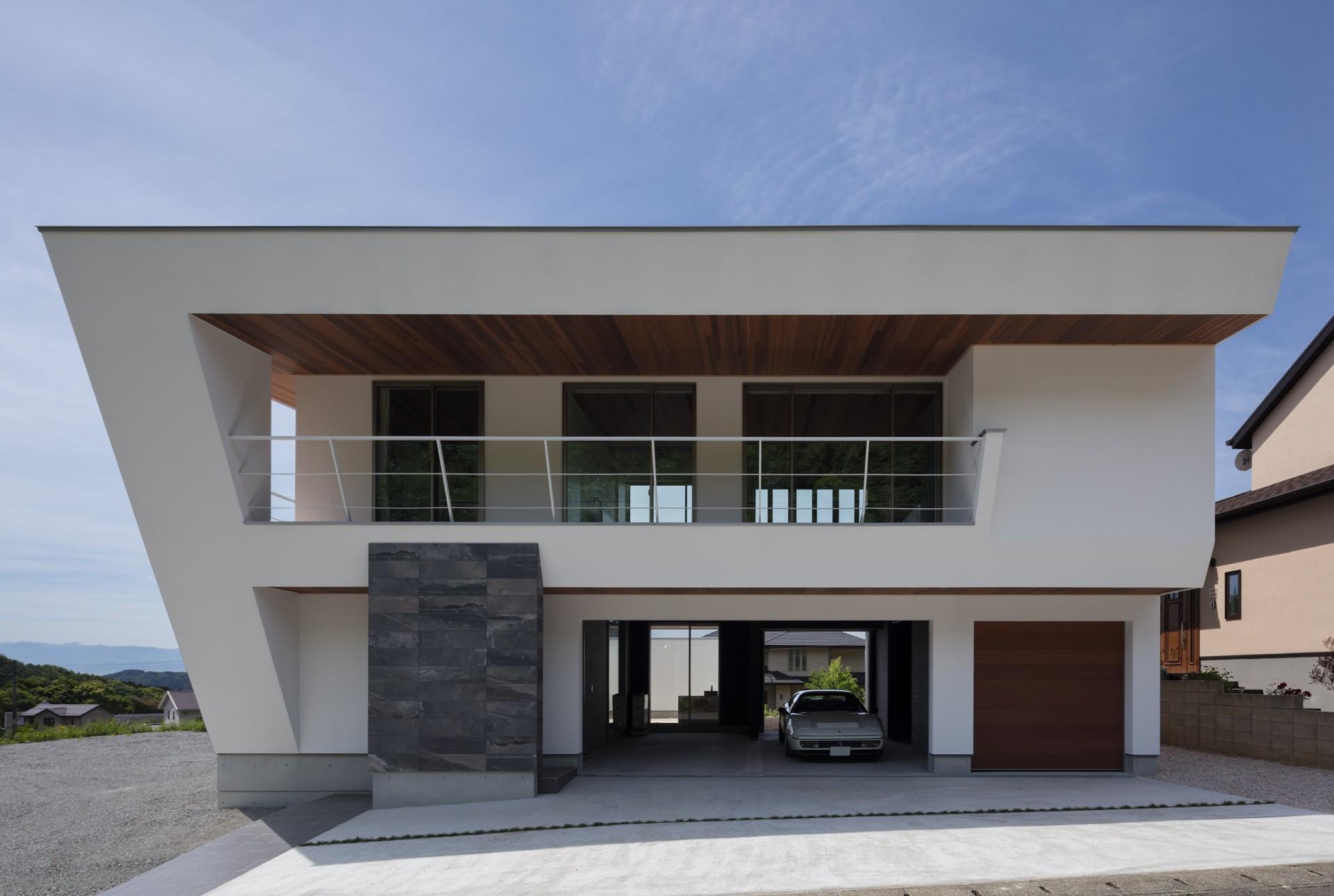 外観事例:建物北面(N12-house「回遊テラスのあるガレージハウス」)