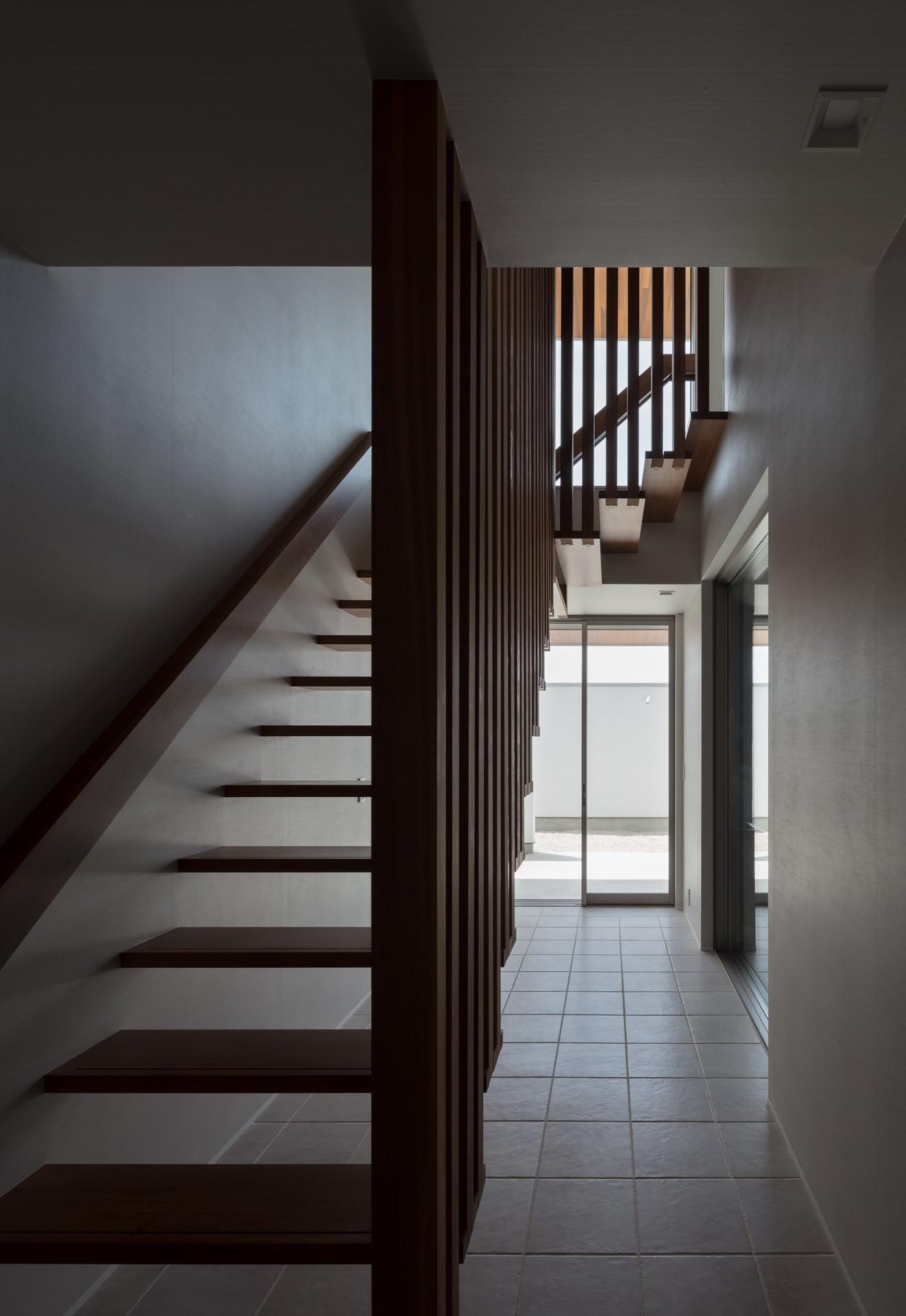 その他事例:階段(N12-house「回遊テラスのあるガレージハウス」)