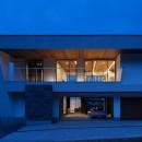 N12-house「回遊テラスのあるガレージハウス」の写真 北側夕景