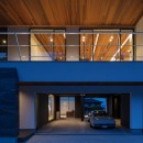 N12-house「回遊テラスのあるガレージハウス」の写真 北面夕景