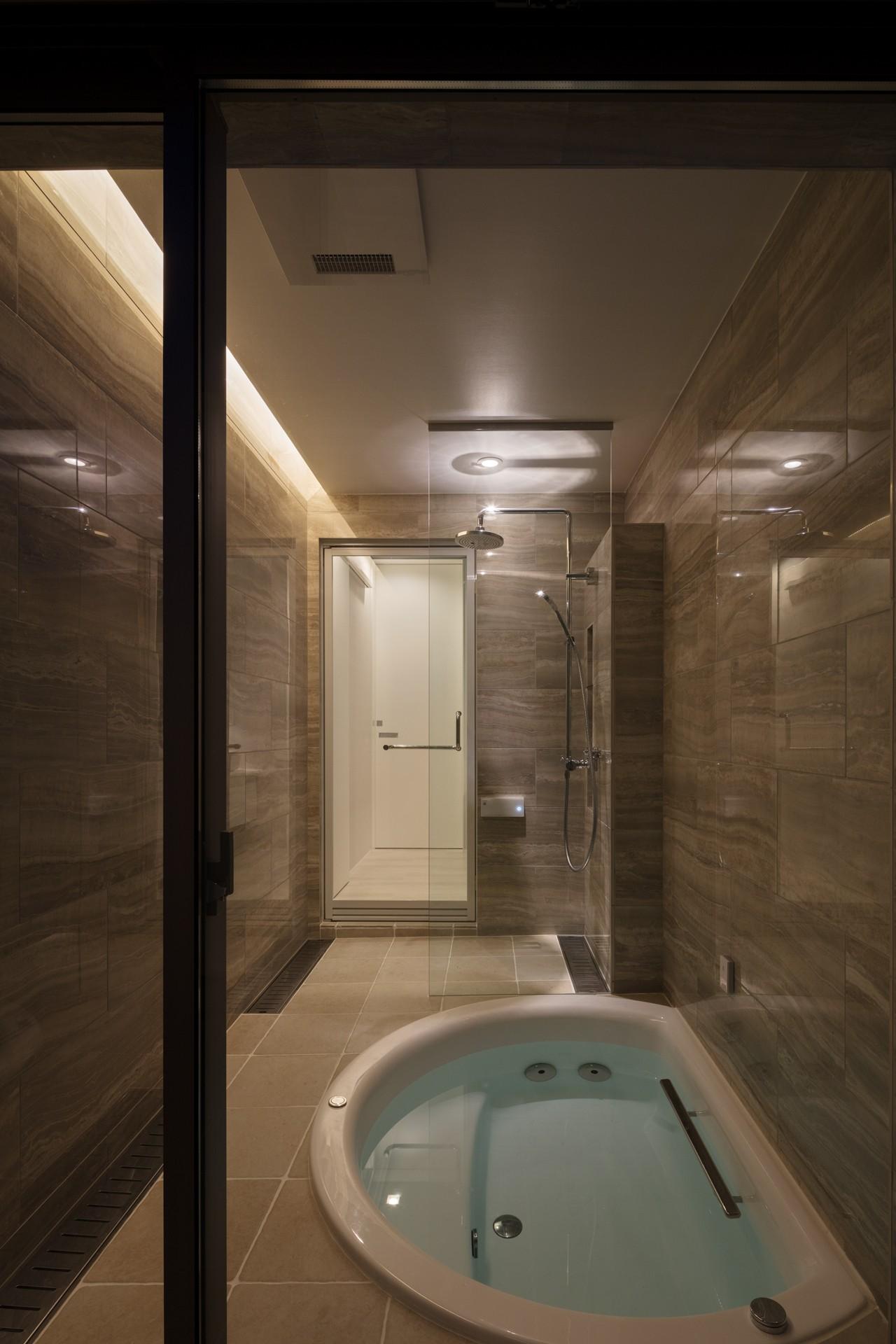 バス/トイレ事例:浴室(N12-house「回遊テラスのあるガレージハウス」)