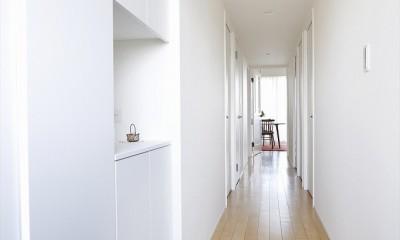 T邸_お気に入りが彩る白いキャンバス (玄関)