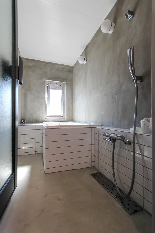 ふたりだけの特別なスペース (バスルーム)