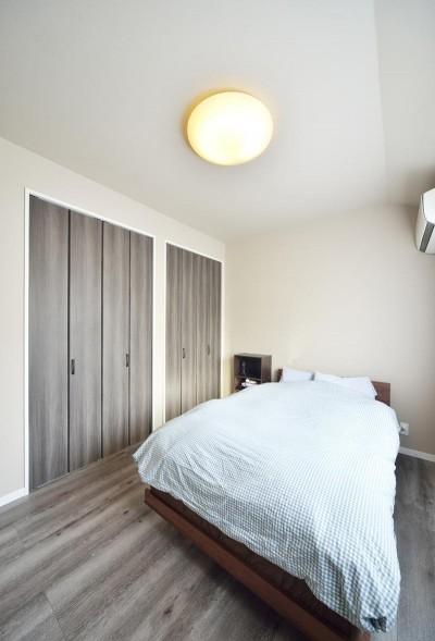 寝室 (インパクトブルーの住まい)